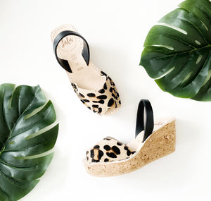 CORK WEDGE - CARAMEL LEOPARD/BLACK