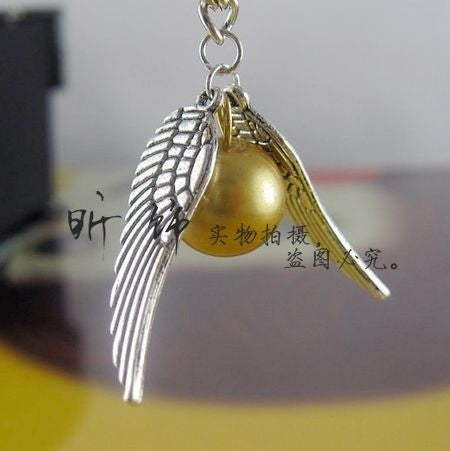 Harry Potter Golden Snitch Pendant Necklace Wings Chain = 1645723076