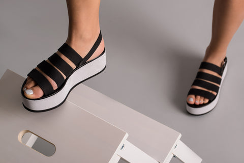 Orxidea Black Leather Sandals
