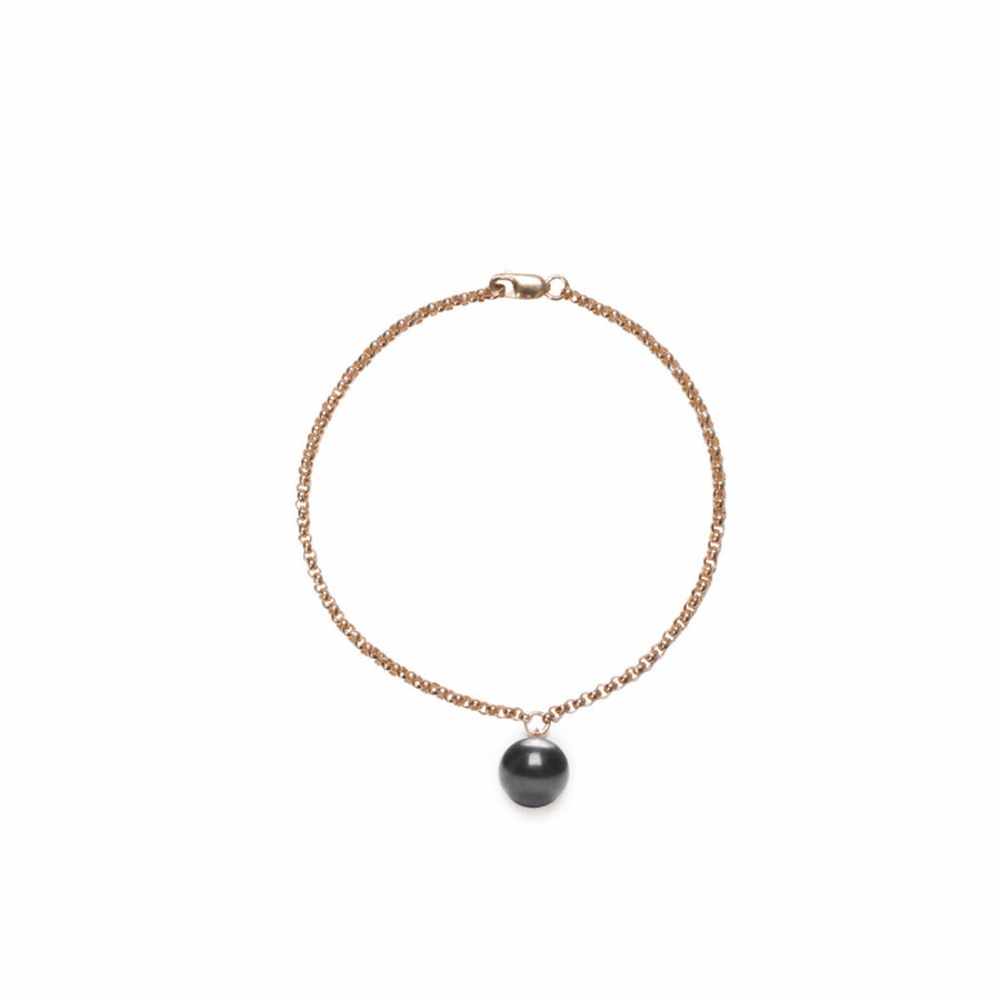 ORA PEARLS - LUXURY DESIGNER JEWELLERY IN GOLD AND SILVER - BLACK PEARL CHARM BRACELET - SILKARMOUR - 1