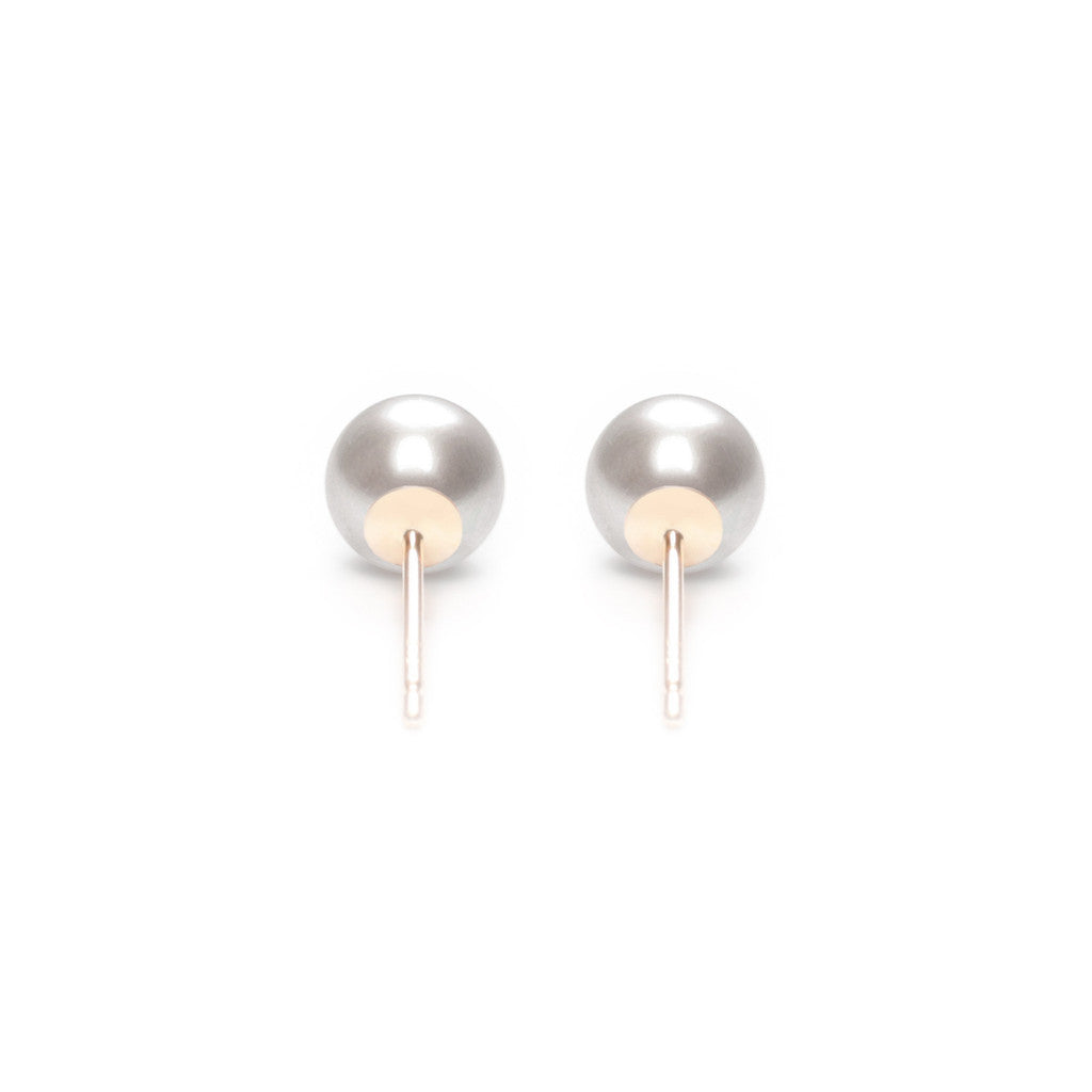 ORA PEARLS - DESIGNER JEWELLERY LONDON - GREY STUD EARRINGS - SILKARMOUR - 35