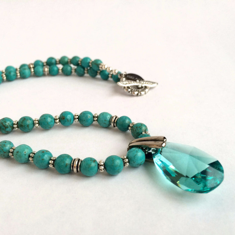 MAGNESITE STONE, SILVER AND CRYSTALS NECKLACE - SILKARMOUR  - 1