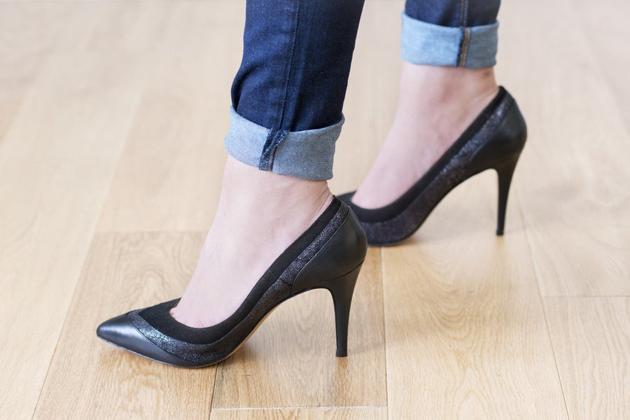 House of Spring- Louise Black Pumps- Silkarmour-2