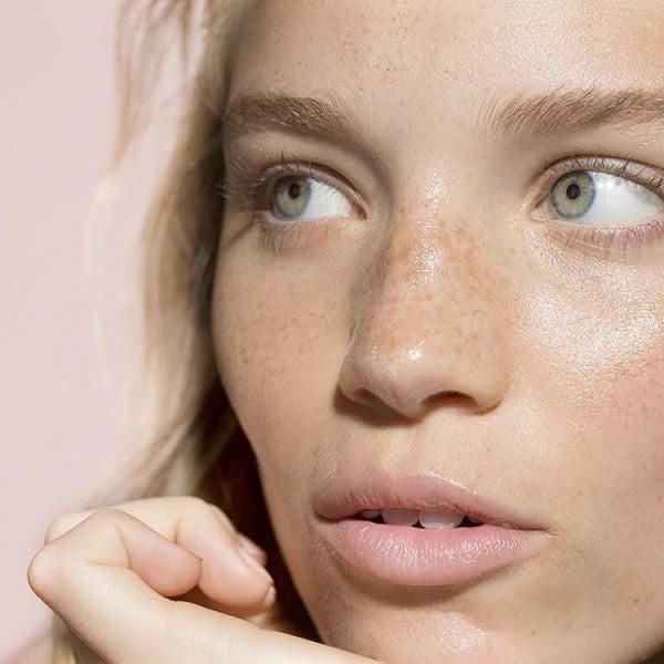 One Cleanser That Won't Dry Out Your Skin This Winter