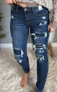 Judy Blue 8864 Patch Jeans - Maple Row Boutique