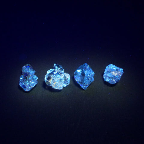 UV Quartz Crystals. Strong Blue fluorescence. Glows UV Light Hydrocarbon Petrol Inclusions Double-Terminated. 1 pc 10-13mm (QTZ602) - Siam Gem Palace - 1