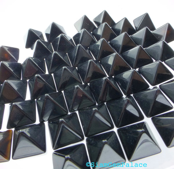 ONYX parcel. Natural. STuD CABoCHONS. PYRAMiDs. 1/2 Drilled. 10 pc. 10.0 cts. 8mm (Ox171-10) - Siam Gem Palace - 1