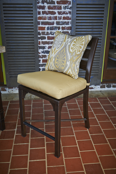 "Aura Honey<br><small>18""x18""</small>"