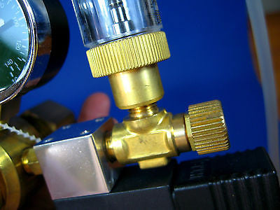 "CO2  Bubble Counter & CHECK VALVE ""B - Regulator DIFFUSER"