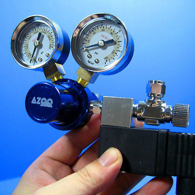 AZOO CO2 Pressure Regulator With Magnetic Valve   plant
