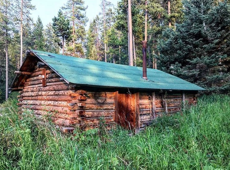 9 must see rustic hunting cabins
