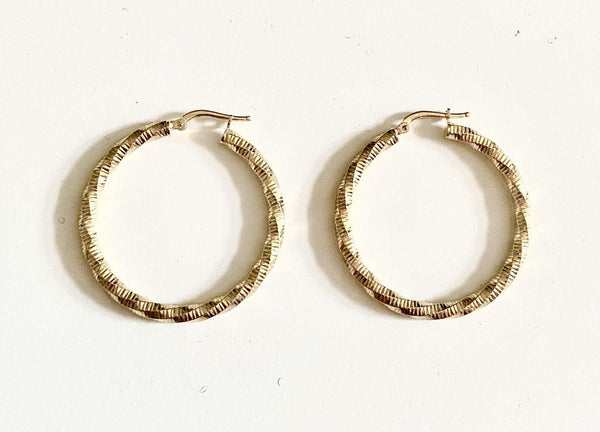 La CHEQUERED TWISTS - Silver or Gold - The Hoop Station 925 Sterling Silver Hoop Earrings Gold Huggies