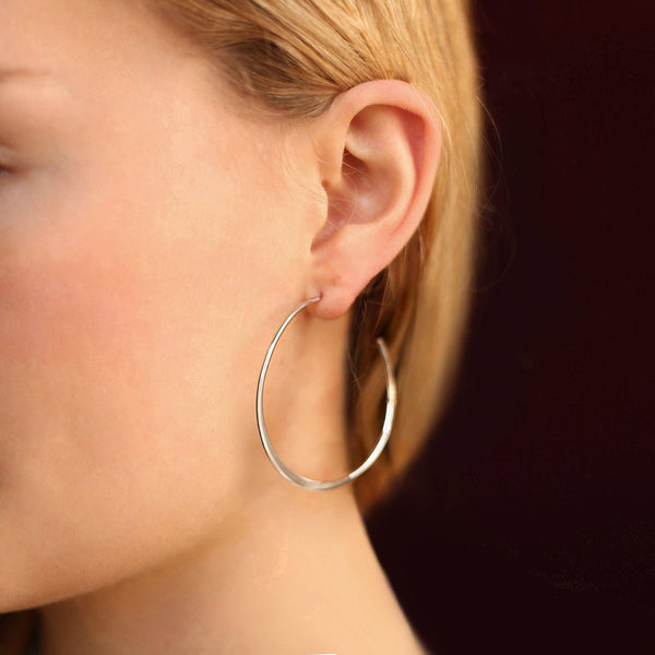 La GRANDE GRADUATA Hoops - The Hoop Station 925 Sterling Silver Hoop Earrings Gold Huggies