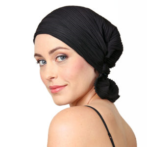Amy Chemo Beanie - Black Wavy Knit