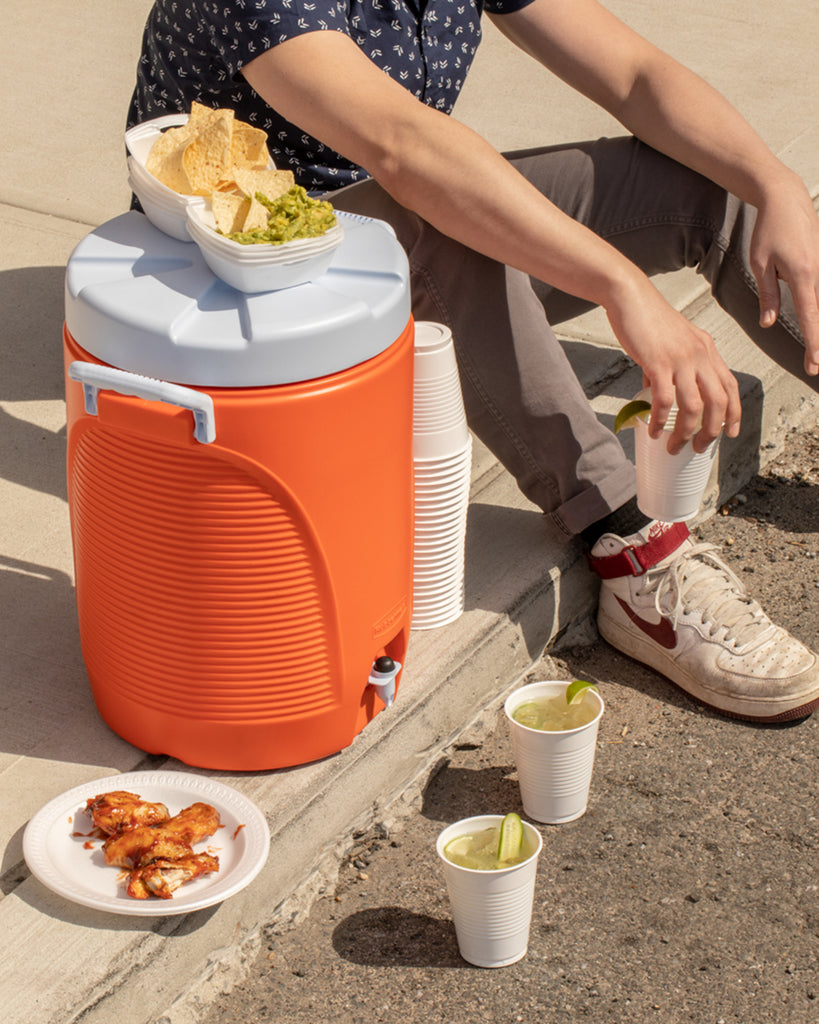 The Igloo Cooler Cooler W Amp P