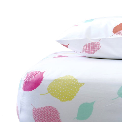 Coral Leaves Crib Sheet
