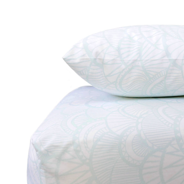 Seaglass Scallop Crib Sheet Set