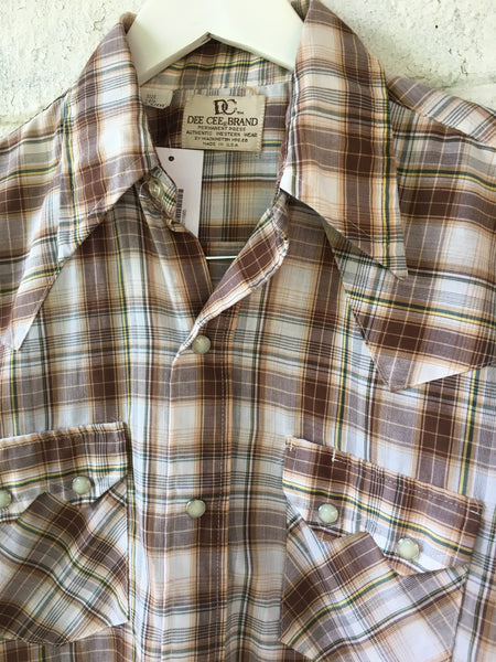 Vtg. Sawtooth Dee Cee Short Sleeve Plaid Pearl Snap