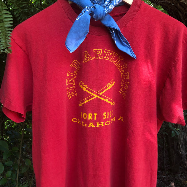 Vtg. Red Field Artillery Ft. Sill, OK Tee (M/L)