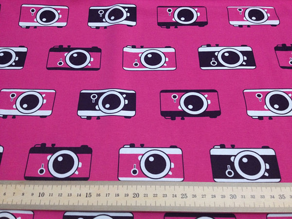Click! Pink organic cotton jersey (by the half metre)