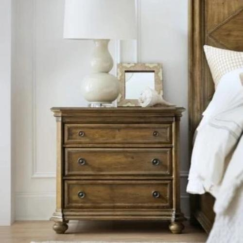 Madison Manor Bedroom Nightstand Madison Manor Ballantyne Three-Drawer Nightstand