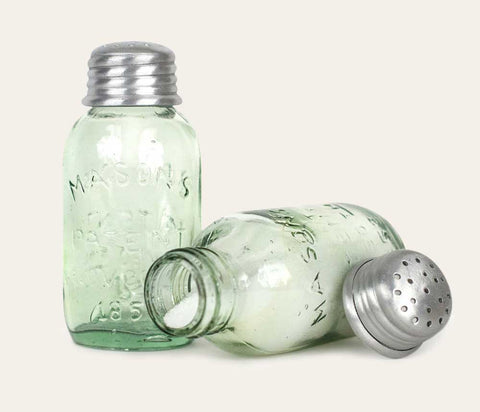 Salt Shaker & Pepper Shaker Set