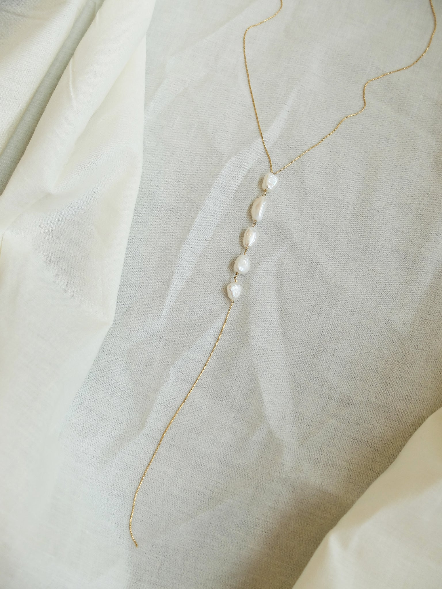 Cinq Necklace