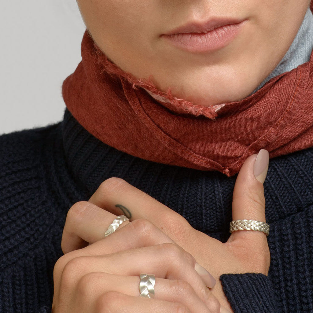 Cinque Plait Ring Detail