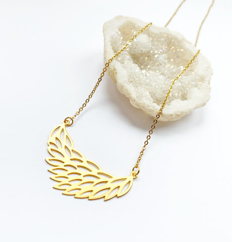 Modern Leaf Necklace in Gold