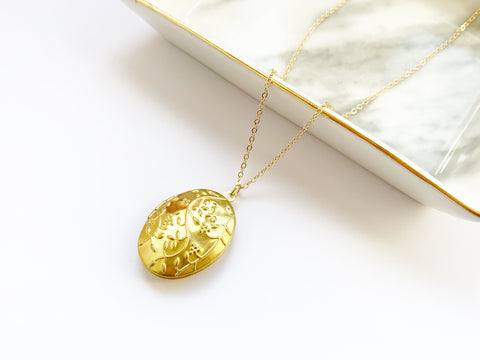 Oval Floral Locket in Gold