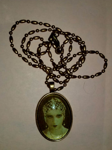 Lili Damita Cabochon Necklace