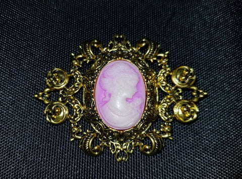 Lady Lilac Cameo Brooch