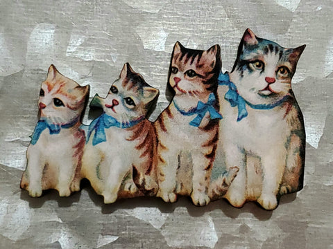 Kitty family portrait magnet
