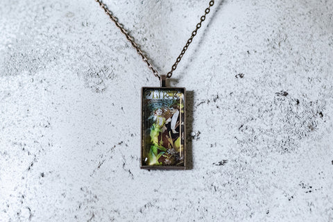 Flirt Cabochon Necklace