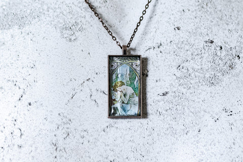 Night's Rest Cabochon Necklace
