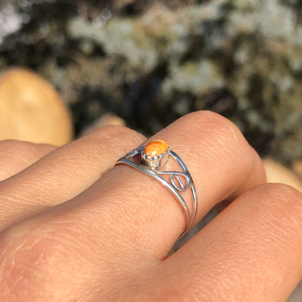 Dainty Spiny Oyster Ring