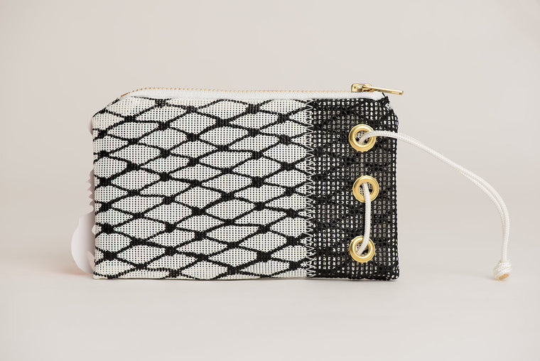 BLACK & WHITE BAIT BAG WRISTLET
