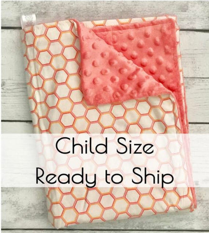 Bear Hugs Calming Weighted Blanket 'Honeycomb Coral' - CHILD SIZE