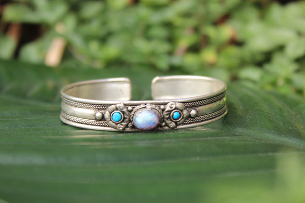 [Sterling silver moonstone]- The Namaste Boutique