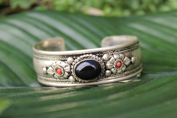 [Black onyx metal stone adjustable cuff Gypsy bohemian style jewelry or jewellery]- The Namaste Boutique