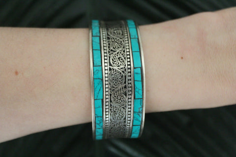 Turquoise boho metal adjustable cuff