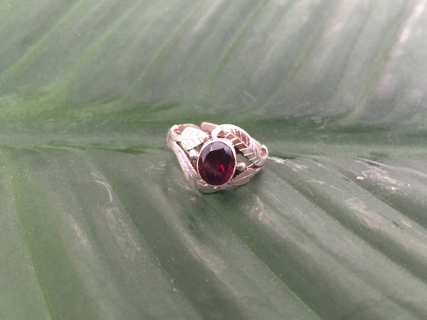 Sterling silver garnet gemstone ring