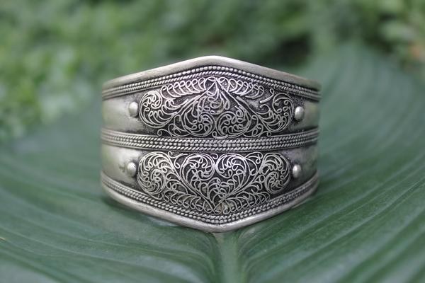 [Metal filigree adjustable cuff gypsy bohemian style jewelry or jewellery]- The Namaste Boutique