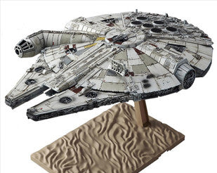 BANDAI: 1/144 Millennium Falcon  [Star Wars The Force Awakening]