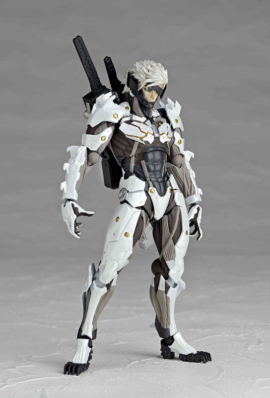 Revoltech No.140EX Metal Gear Rising Revengeance - White Raiden
