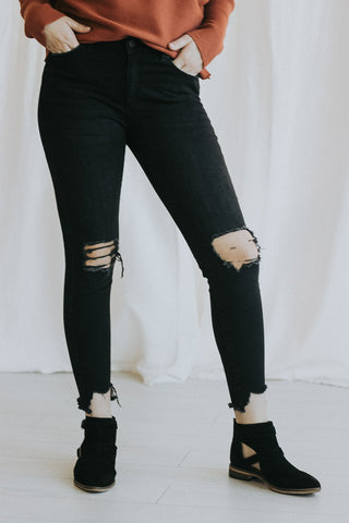 The Guarded Ripped Skinnies in Black