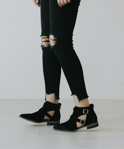 The Dandie Bootie in Black