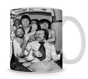 Elton John with the Watford team Mug - Canvas Art Rocks - 1