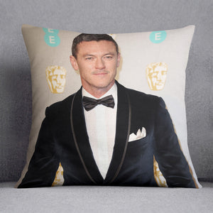 Luke Evans at the BAFTAS Cushion