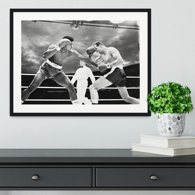 Muhammad Ali v Henry Cooper Framed Print - Canvas Art Rocks - 1